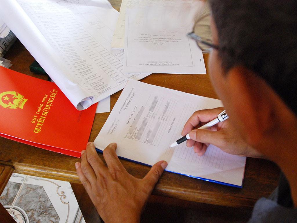 Cơ quan thẩm quyền nào xử lý giấy xác nhận không tranh chấp đất